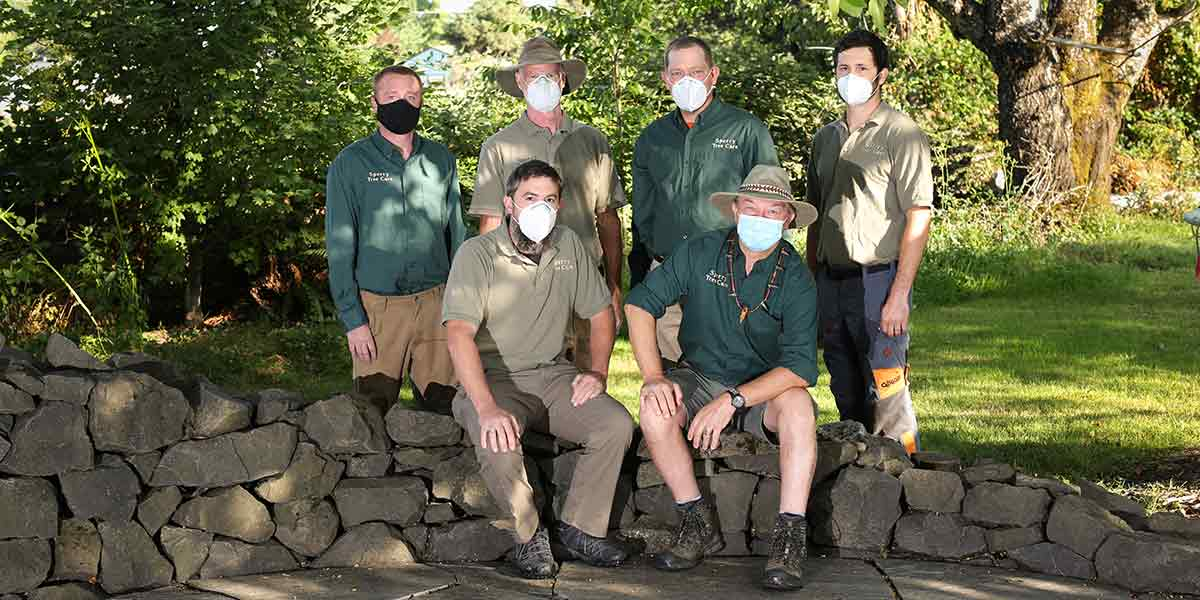 the crew wearing masks as a covid protocol